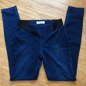 Dark-washed jeggings